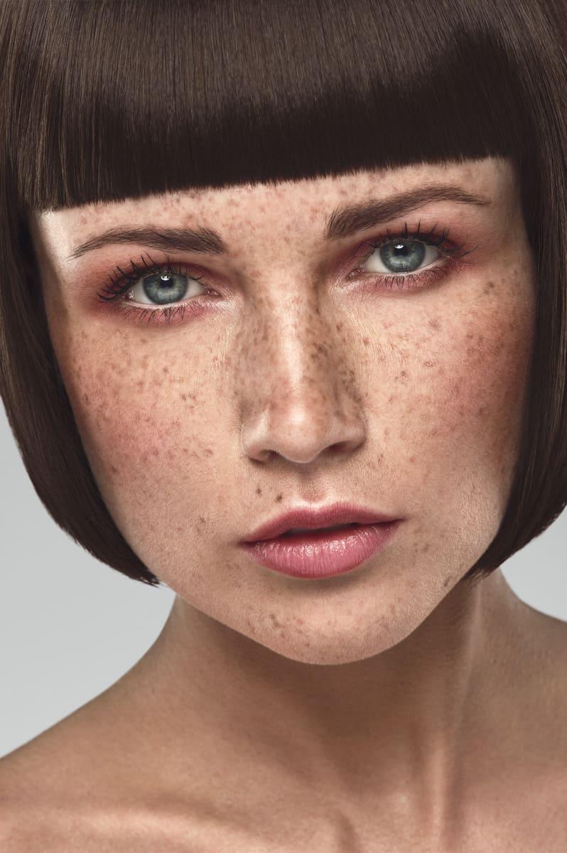 Photo beauté cosmétique avec taches de rousseur